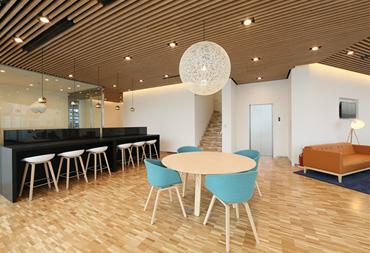 ボルボ・カー 香里園(大阪府寝屋川市)の北欧デザインのリビングルーム